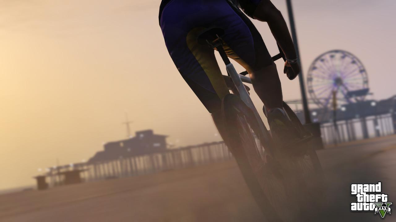 official-screenshot-bicycle-ride-past-pleasure-pier.jpg